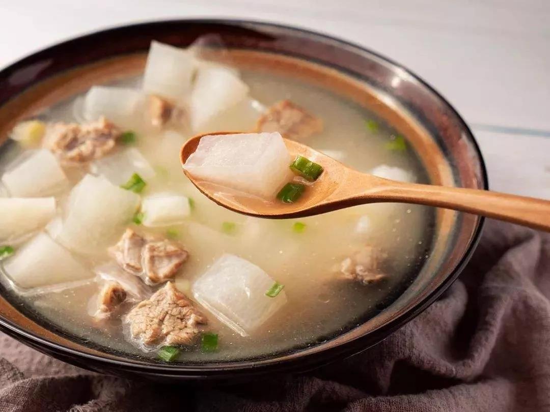 精致排骨汤