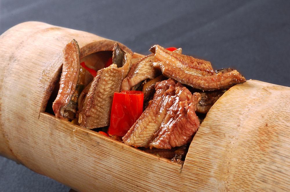 竹筒煮鳝鱼