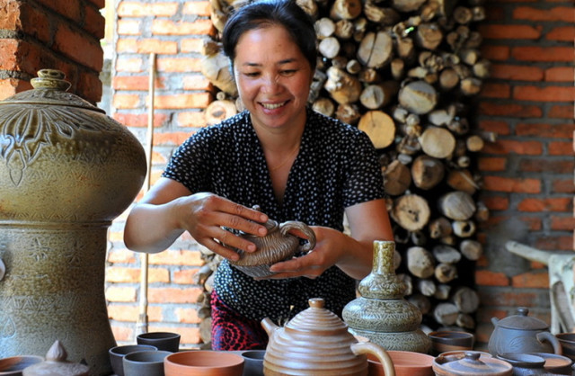 傣族慢轮制陶技艺
